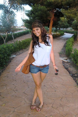 pull&bear shorts - pull&bear belt - Zara top - H&M sandals - my mums closet acce