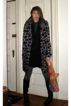 Alberto Makali coat - rachel roy sweater - H&amp;M top - Uniqlo leggings - Anne Klei