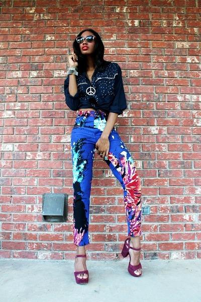 vintage high waisted jeans - Vitnage CowGirl blouse - Via Spaga wedges