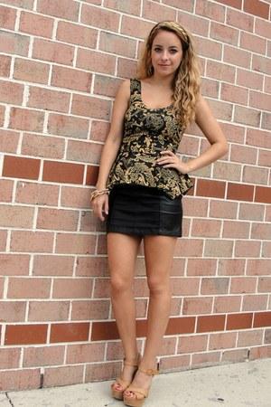 black leather mini H&M skirt - gold chain asos bracelet