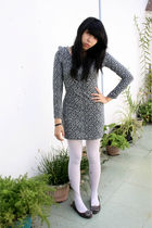gray unbranded dress - gray unbranded shoes - white Apple tights