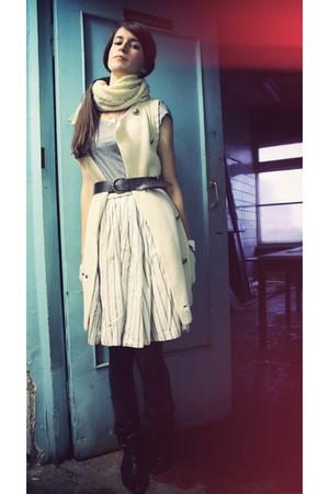 ivory H&M skirt - cream Club Monaco cardigan - silver H&M t-shirt - dark brown b