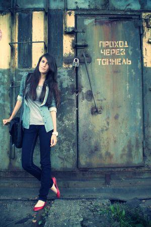 blue Stradivarius jeans - gray Gap t-shirt - blue Gap shirt - red Stradivarius s
