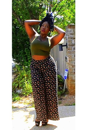 olive green tank crop top Forever 21 shirt - black Forever 21 pants