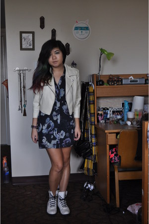 H&M boots - Forever 21 jacket - H&M top