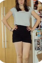 black Primark shorts - gray H&M t-shirt