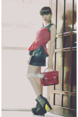 red peplum top - black chicnova shirt - red satchel tickles bag