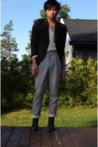 H&M blazer - Filippa K t-shirt - julian red pants - Rizzo shoes
