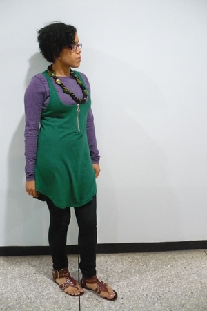 green Qualcuno Design necklace - purple gef blouse - green blouse - black leggin