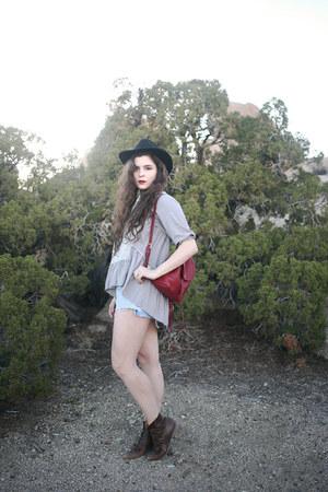 black wool vintage hat - heather gray Chicwish shirt