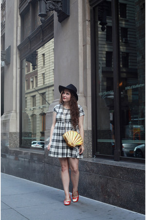 gold seashell Nila Anthony bag - dark gray plaid thrifted from Crossroads dress