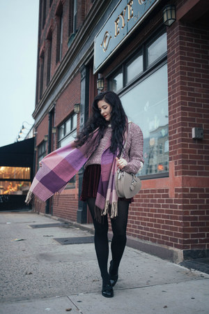 heather gray heart Handbag Heaven bag - light purple plaid scarvesnet scarf