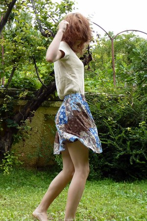 turquoise blue unknown skirt - beige unknown shirt