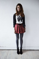 red unknown skirt - white unknown t-shirt