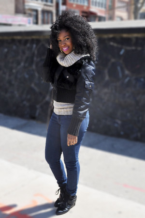 black jacket - navy jeans - tan sweater - black sneakers