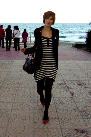 lines navy HyM dress - red Zara shoes - black Zara jacket - black HyM bag