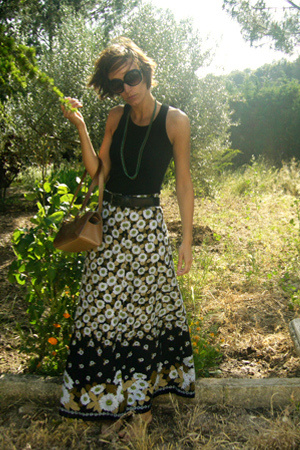 black vintage skirt - black MNG t-shirt - green HyM necklace