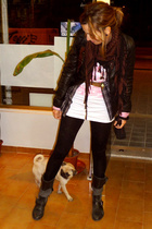 Pepe Jeans jacket - HyM t-shirt - HyM pants - Zara shoes - MNG belt