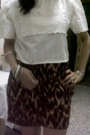 vintage top - leopard skirt