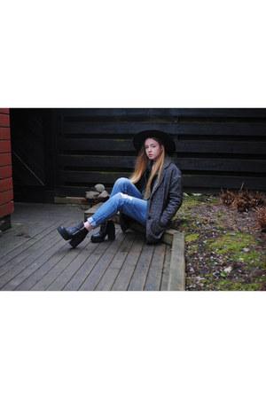 sky blue boyfriend jeans H&M jeans - gray wool Saints & Mortals coat