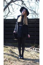black H&M hat - black H&M blazer - dark brown Secondhand bag