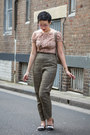 Black-aldo-shoes-dark-khaki-diy-pants-light-pink-portmans-top