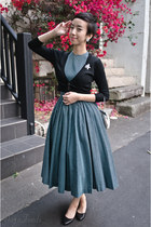 teal vintage dress - black leather flats Nine West shoes - silver vintage bag