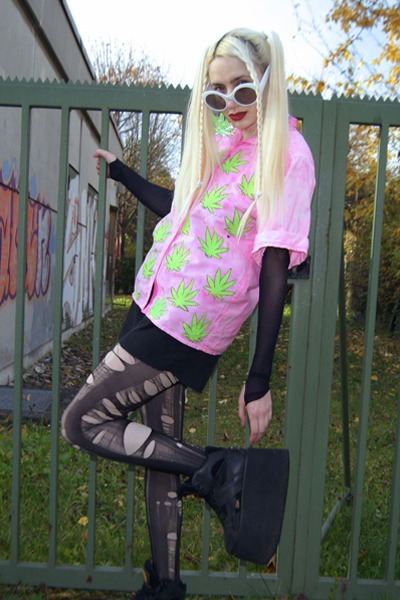 bubble gum weed DIY shirt - black tower boots Buffalo boots