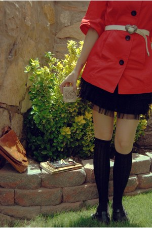 black skirt - red coat - black hat - white belt