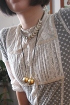 blouse - necklace