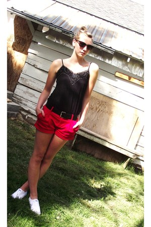 black shirt - red forever21 shorts shorts - dark brown sunglasses - white sneake