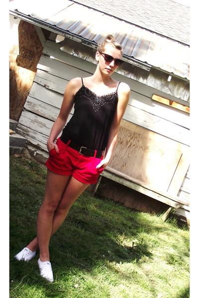 Black Shirts, Red Forever21 Shorts Shorts, Dark Brown Sunglasses ...