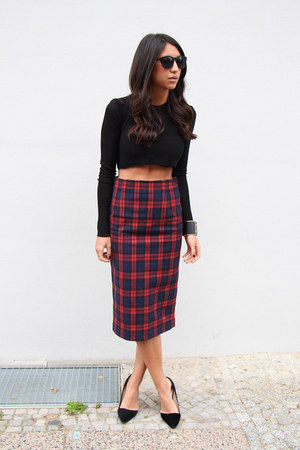 maroon pencil skirt Zara skirt - black crop top Zara top - black Aldo flats