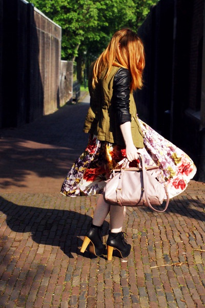 peach silk midi selfmade skirt - black platform Jeffrey Campbell boots