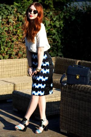 light blue pencil H&M Trend skirt - white geometric H&M Trend shirt