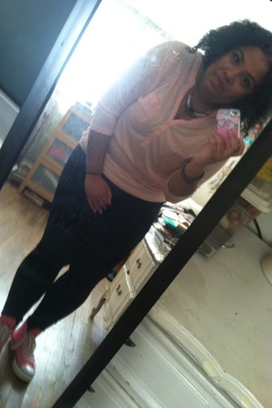 JCP leggings - pink H&M shirt - pink converse dr jays sneakers