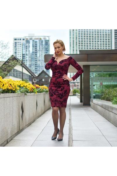 brick red Akira dress - black MaxMara heels