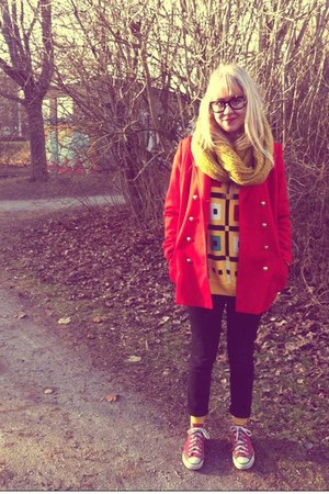 red Converse shoes - black GINA TRICOT jeans - gold vintage sweater