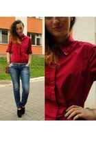 crimson shirt - blue jeans - black new look wedges