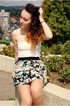 black floral print skirt - white next top