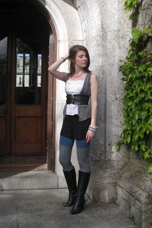 white Farrell & Brown top - gray H & M vest - gray asos shorts - blue Primark le