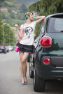 Navy-auronia-t-shirt-topshop-skirt-aquamarine-moschino-hair-accessory