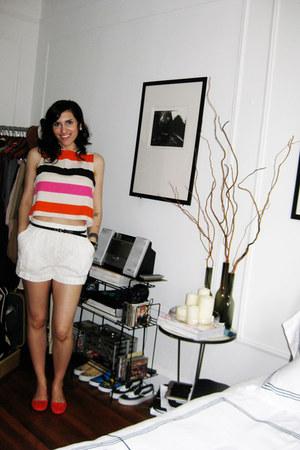 eyelet H&M shorts - H&M top - suede bettye muller flats