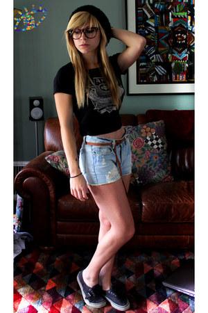 shorts - Vans shoes - knit barrae hat - Vans sunglasses - Vans t-shirt