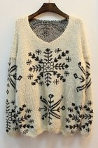 Snowflake Print V-neck Sweater