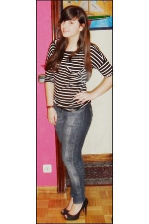 BLANCO jeans - Zara t-shirt - Stradivarius heels