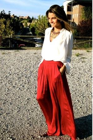 red Zara skirt - tawny Calzados Gredos shoes - black Mango sunglasses