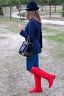 Navy-hollister-jeans-ruby-red-pilar-burgos-boots-navy-denny-rose-hat
