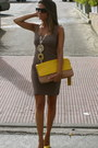 Mustard-zara-bag-camel-h-m-dress-black-mango-sunglasses