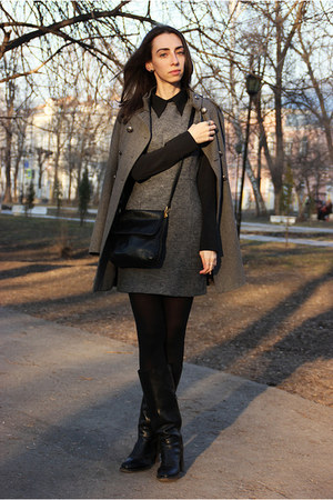 gray New Yorker coat